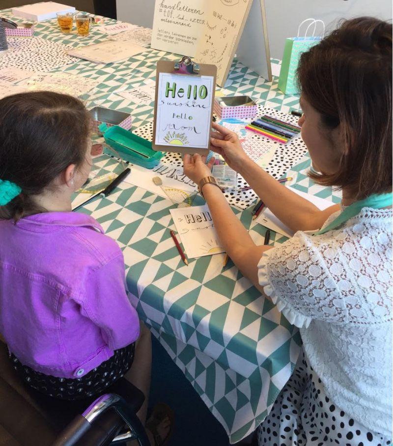 Workshop Handlettering 8 dec voor kinderen van 10 tot 12.30 uur bij Bibliocenter Weert