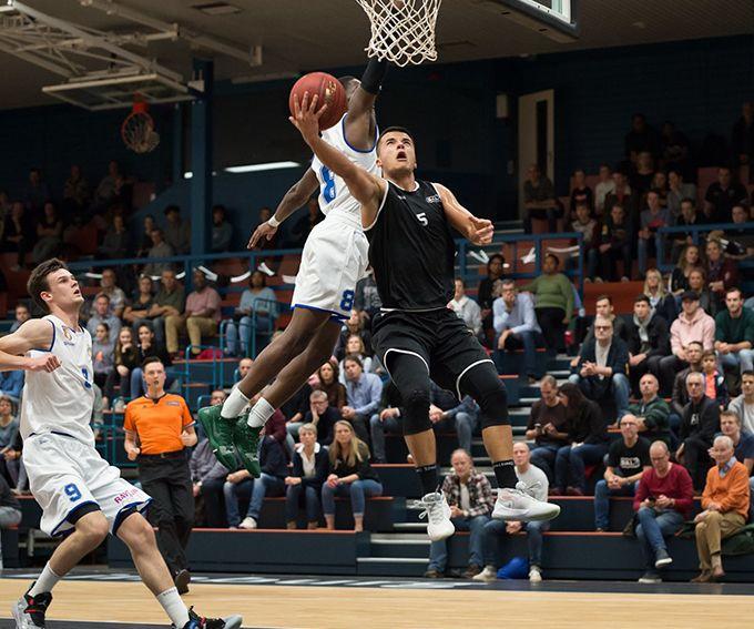 Eredivisie basketbalwedstrijd BAL – Landstede Hammers (Zwolle)