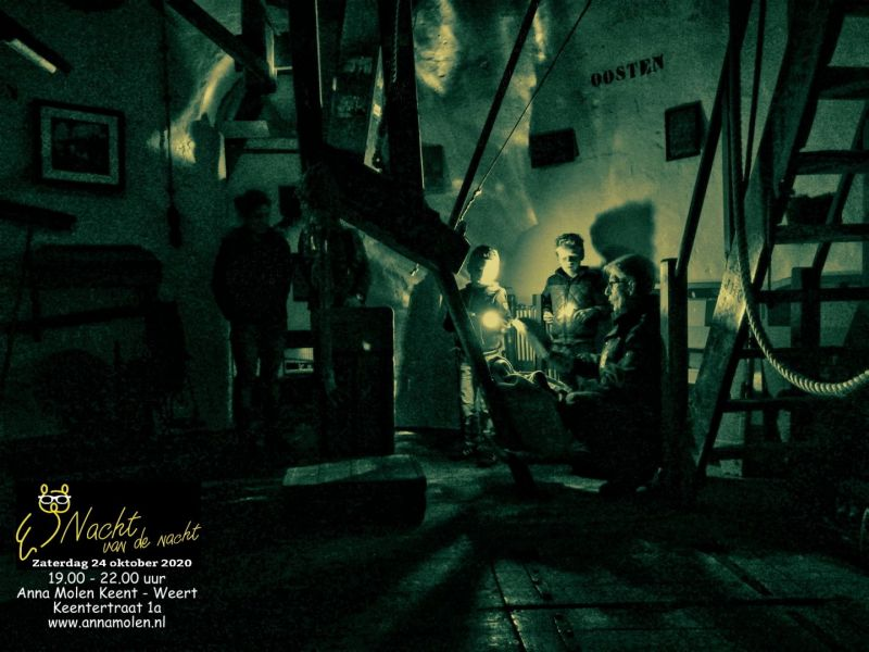 Zaklamp rondleidingen op Anna molen Keent tijdens Nacht van de Nacht